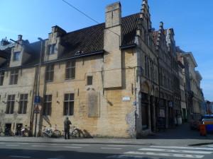 Hotsy Totsy - Hoogstraat 1 - hoek Oude Houtlei