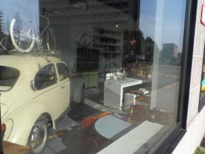 VW kever 1968-1970 - Bisdomkaai - café Bidon Coffee & Bicyle