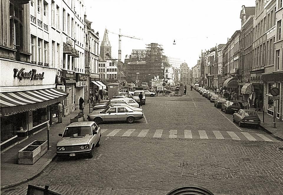 Vrijdagmarkt - pic Marcel Vanderhaeghen