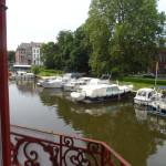 Zicht op Leie en Lindenlei vanaf de Zoutstraat - zijstraat Nederkouter