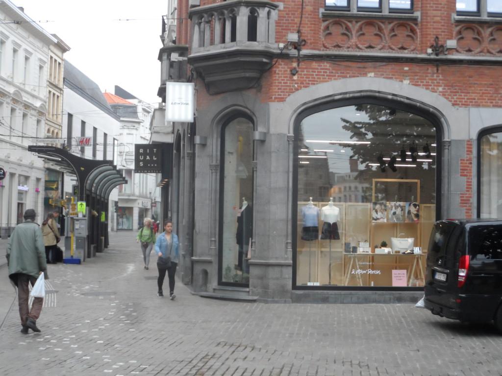 Zakman de Oudere - Veldstraat - links Zakman de Oudere