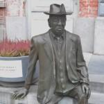 Romain Deconinckplein - standbeeld van Romain