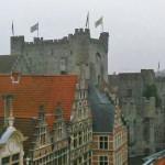 0 Dakzicht vanaf Burgstraat op Gravensteen - pic Arne Depreitere-