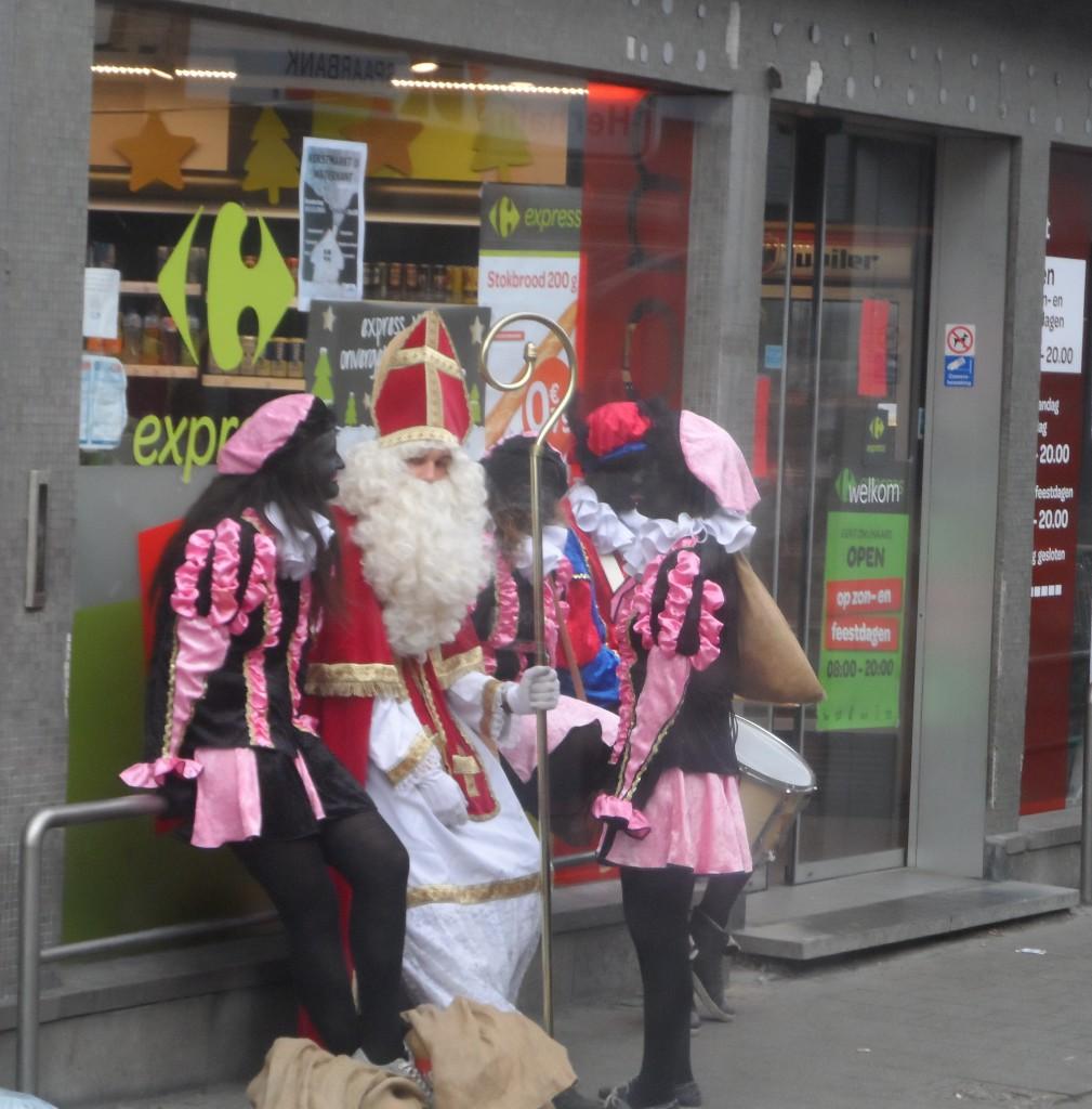 Zwijnaardsesteenweg - Sinterklaas en échte Zwarte Pieten