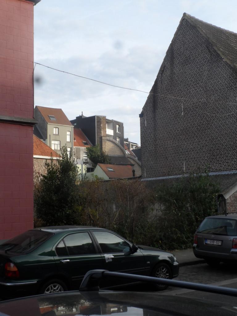 Lostraat - zicht op achterkant Van Monkhovenstraat