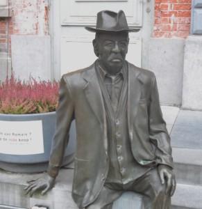 Romain Deconinck - standbeeld op gelijknamige plein