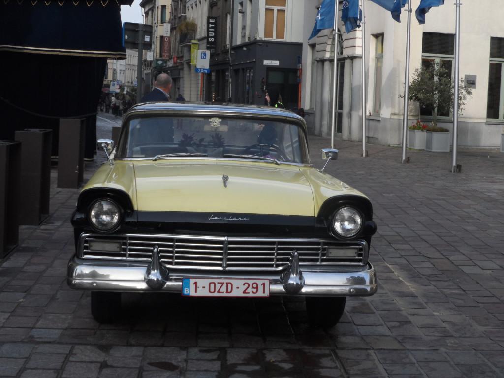 Botermarkt - Ford Fairlane uit 1957
