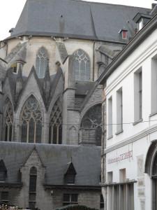 Sint-Niklaaskerk vanuit Goudenleeuwplein nu