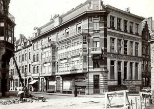 Cataloniestraat graaf van egmont hotel - hoek Sint-Niklaasstraat - pic Claude Faseur