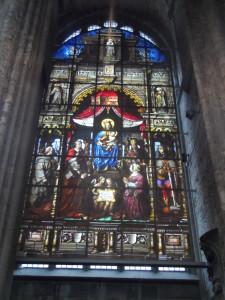 Cataloniëstraat - Sint-Niklaaskerk - brandglasraam