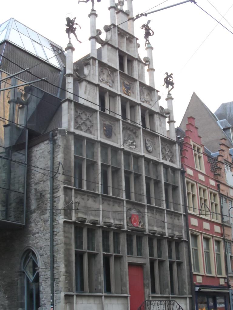 Cataloniëstraat - ECHT Metselaarshuis, echter met moderne touche