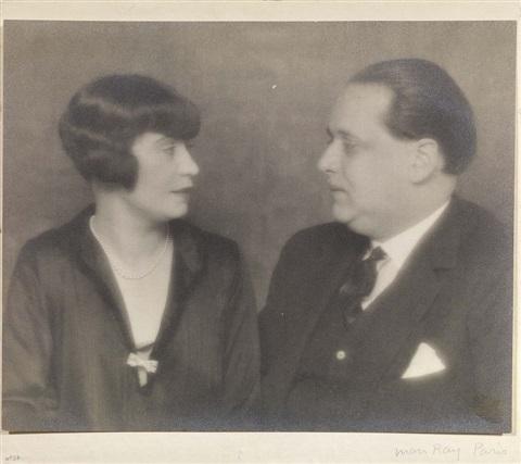 Honorine en Ppaul-Gustave gefotografeerd door Man-Ray - pic artnet