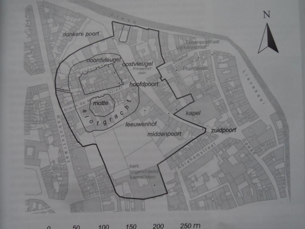 Prinsenhof op plattegrond stad - pic boek Prinselijk Hof ten Walle
