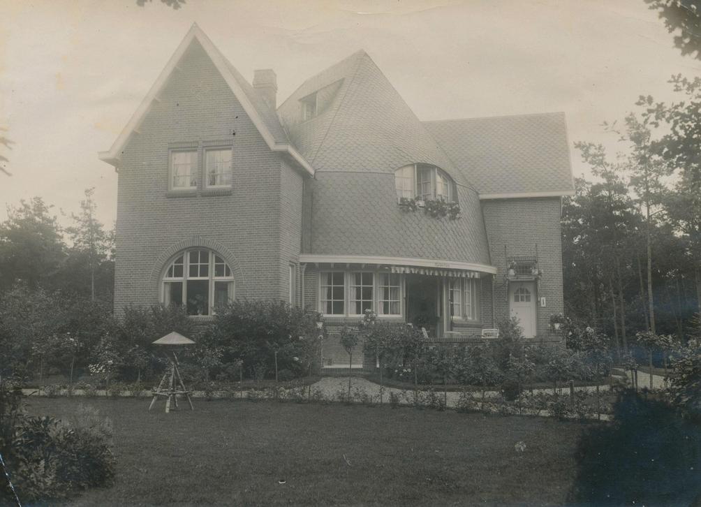 Moglijk Villa Malpertuis - pic flickr.com