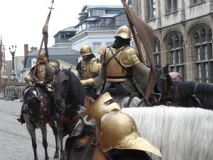 Spanjaarden uit de filmset van Emperor