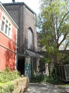 Kloosterkerk - toegang via kloosterdomein