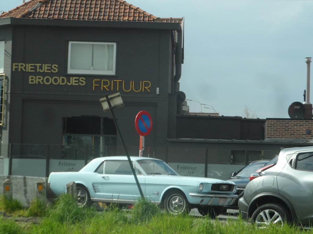 Brugsevaart - Speistraat - Mariakerke - Ford Mustang