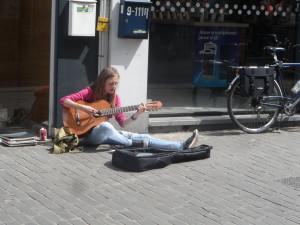 Veldstraat - straatmuzikante