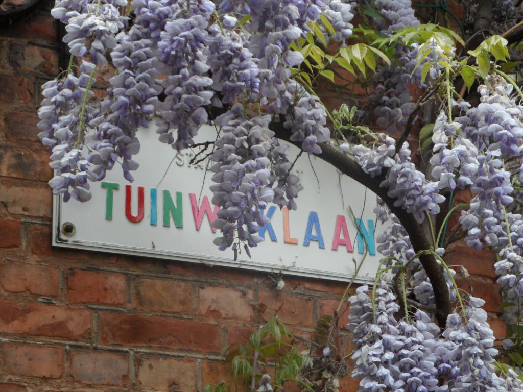 Tuinwijklaan - opgeleukt straatnaambord