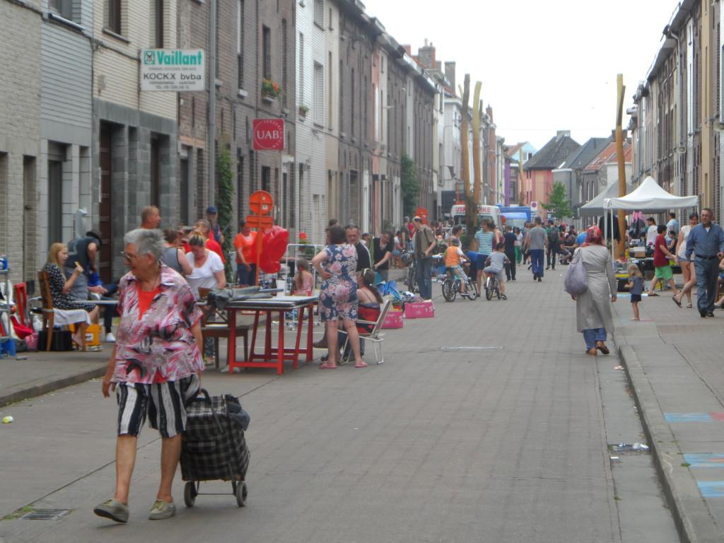 Kastanjestraat, Brugse Poort - rommelmarkt