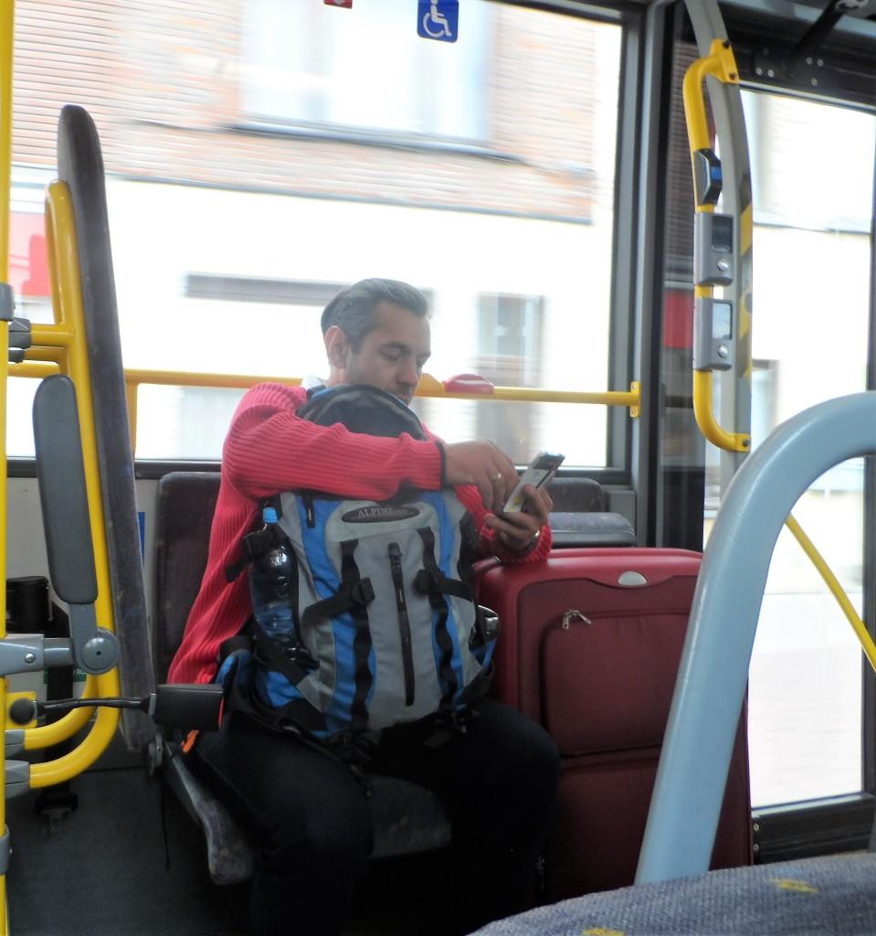 't Zuid - Reisseizoen! Bagpack- ofte rugzakreiziger op lijnbus