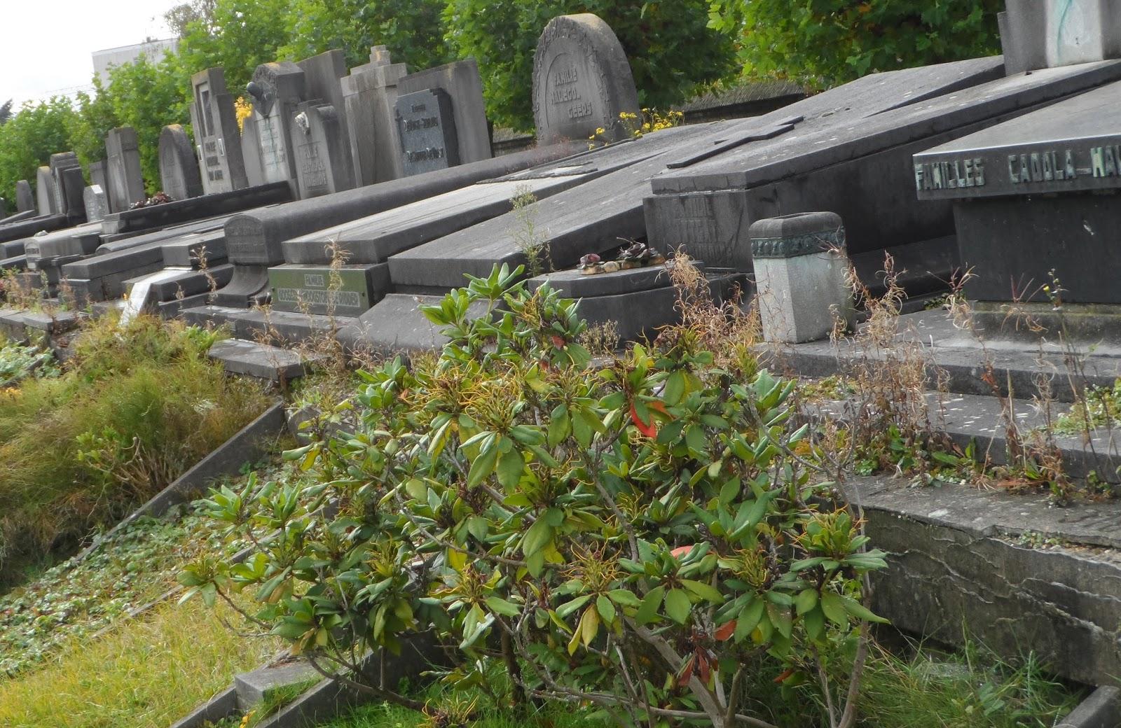 1 november – Boeketje begraafplaatsen
