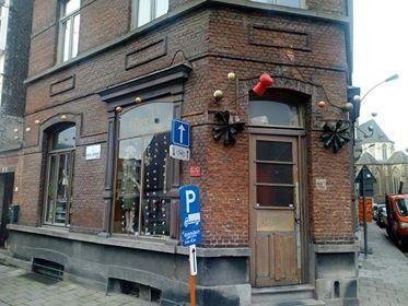 4 Nieuwpoort - hoek Oude Schaapmarkt -- café Parels (1)