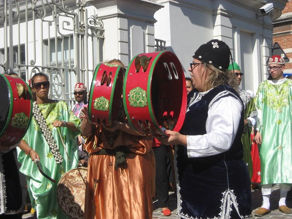 Gnawaparade op Sint-Baafsplein