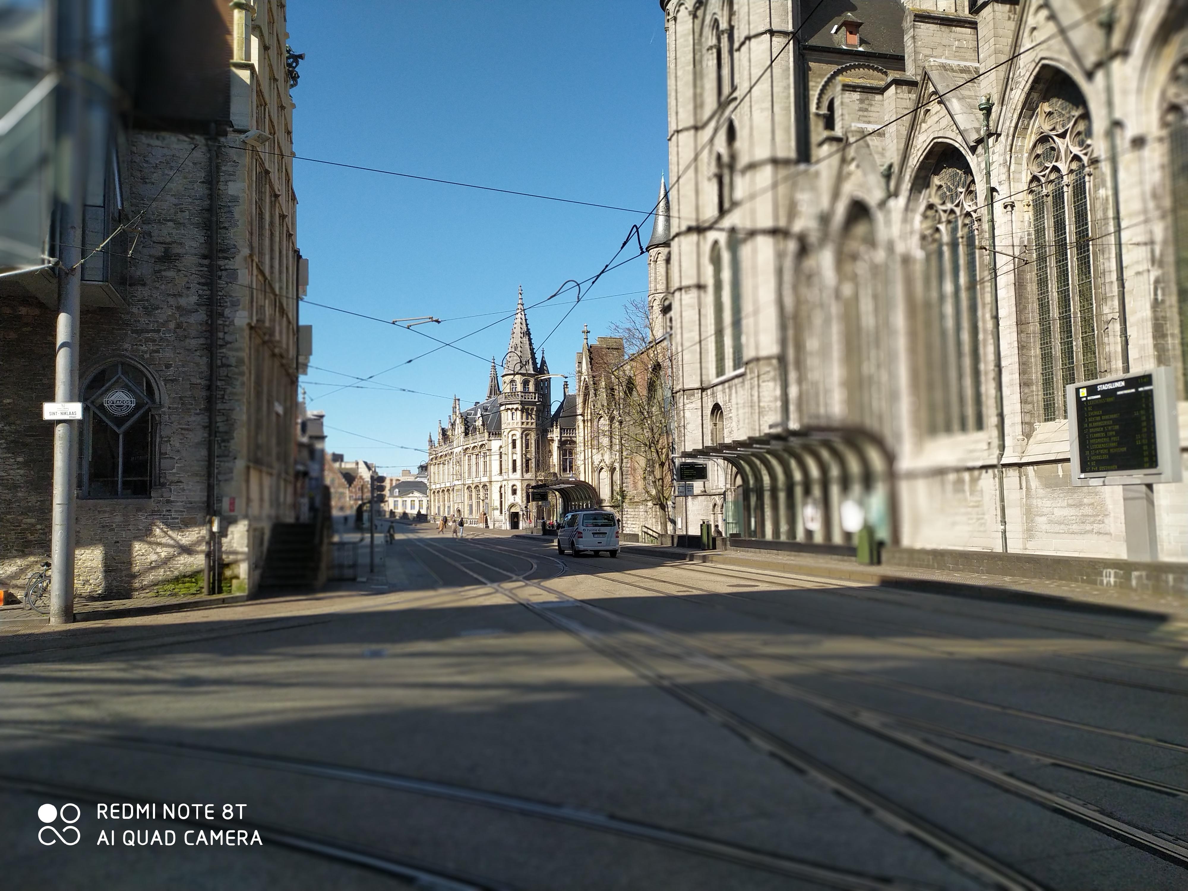 Cataloniëstraat - Sint-Niklaaskerk