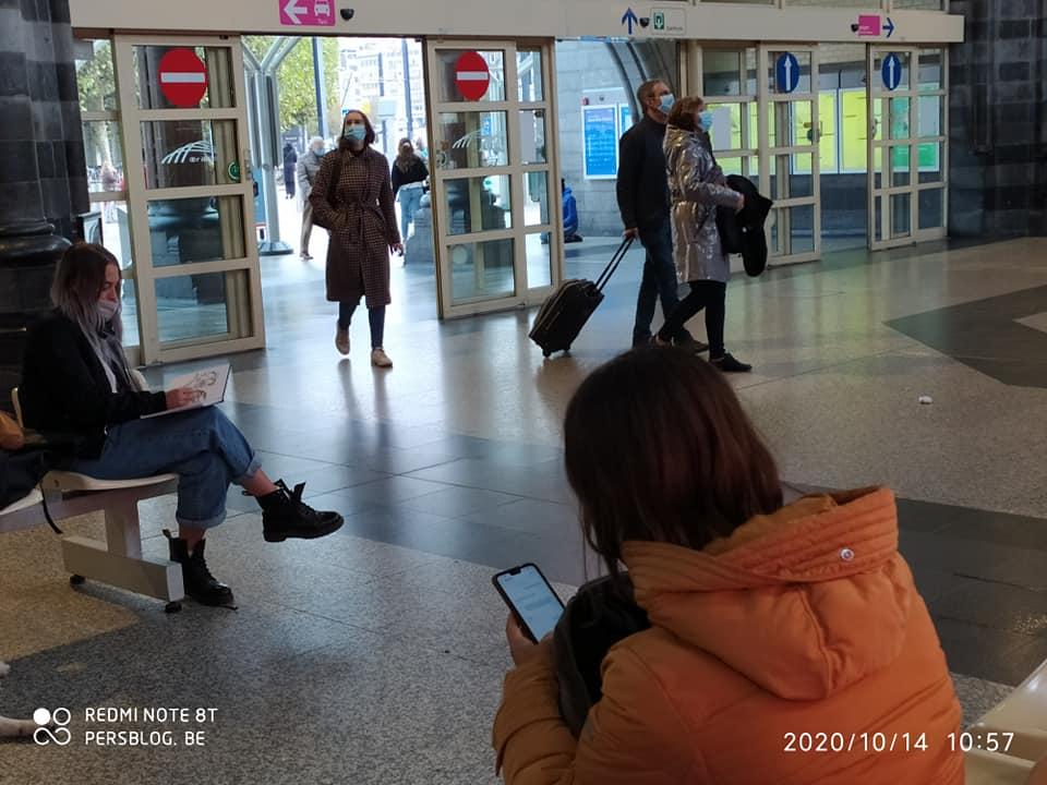 Koningin Maria Hendrikaplein - Gent-Sint-Pieters - station - studenten tekenen (3)