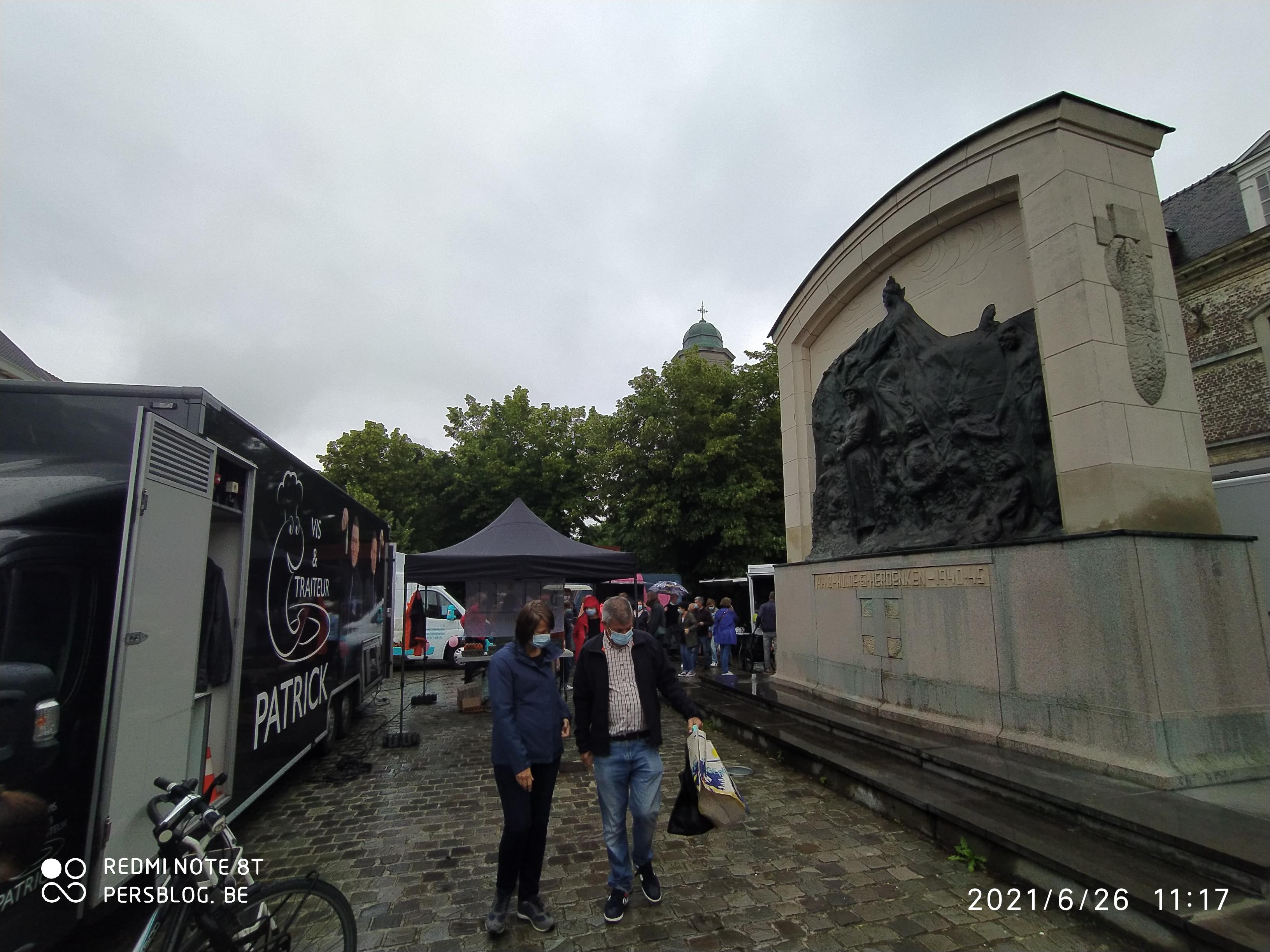 Drongenplein - eerste wekelijkse markt op vernieuwd plein en parkje IMG_20210626_111956 (4)