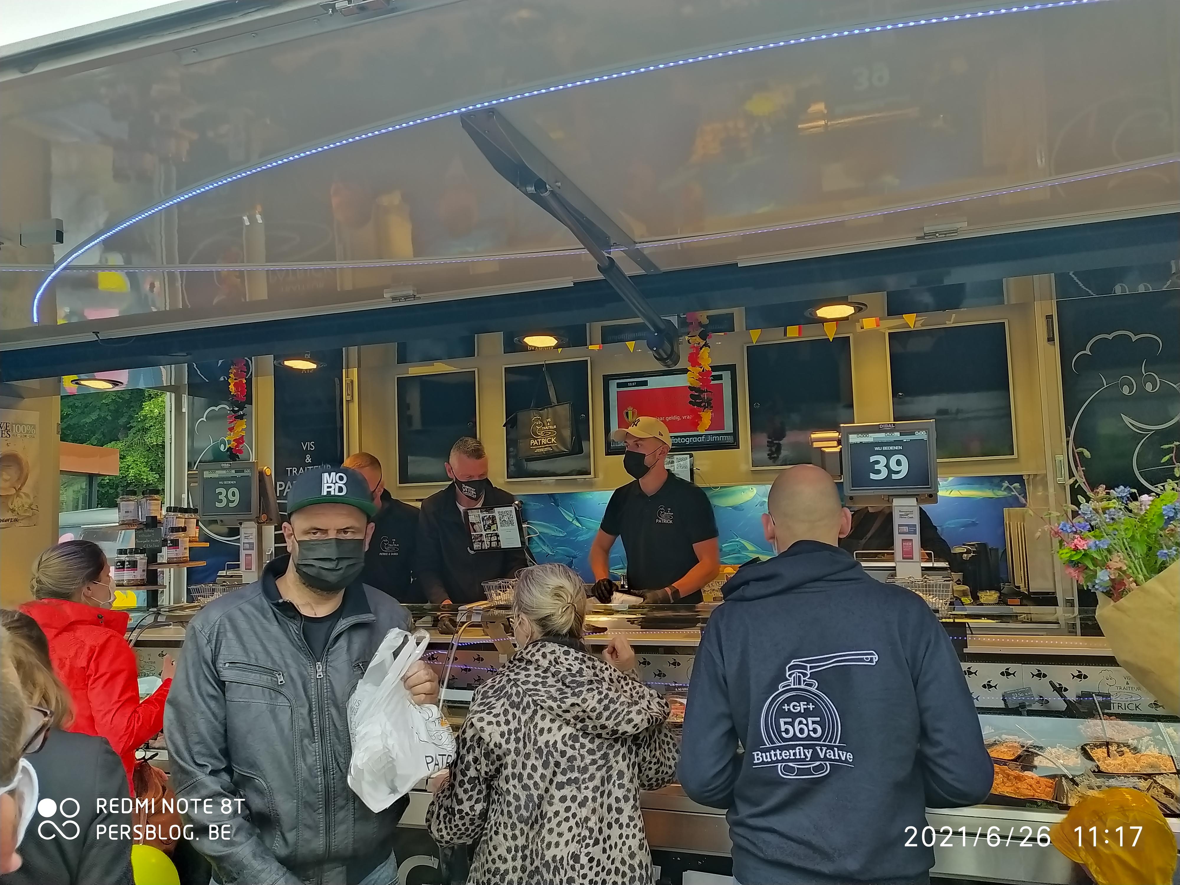 Drongenplein - eerste wekelijkse markt op vernieuwd plein en parkje IMG_20210626_111956 (5)