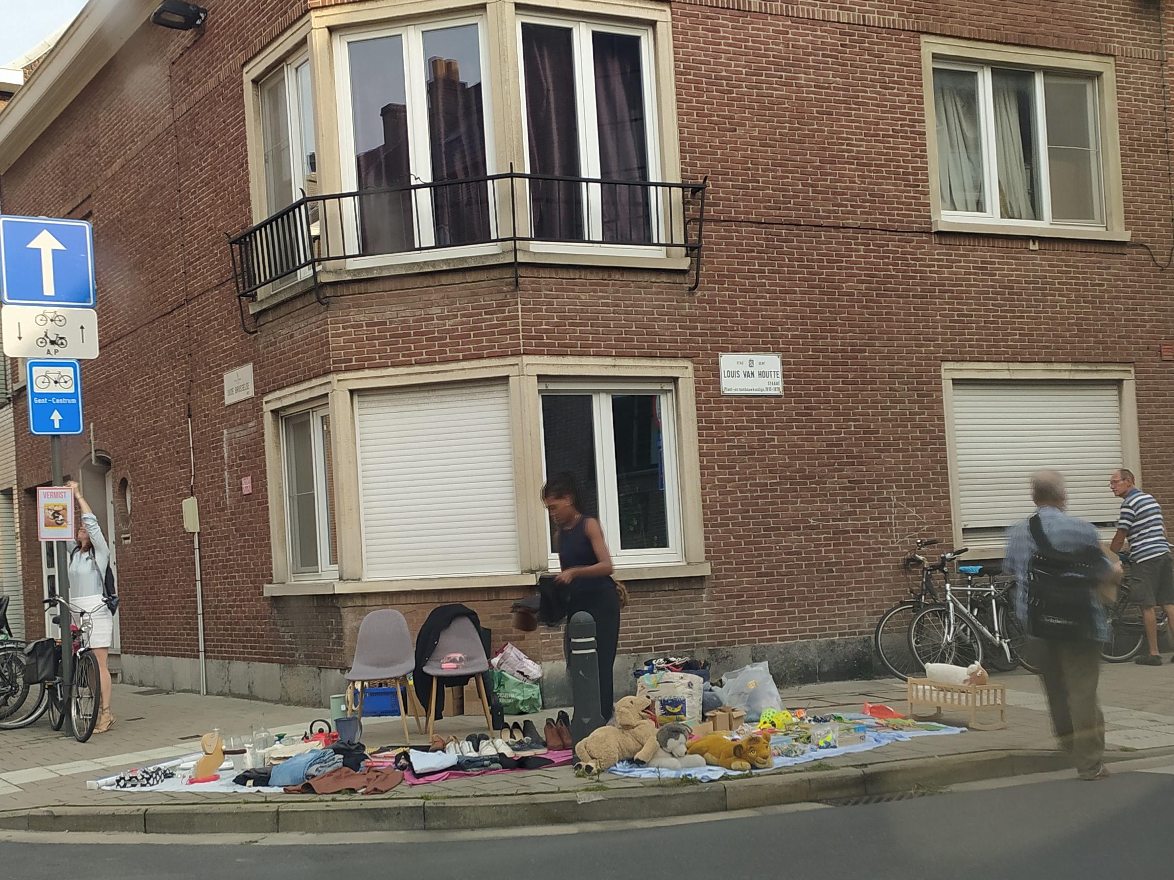 14c Oude Brusselseweg - hoek Louis Van Houttestraat - Gentbrugge - rommelmarkt (1)