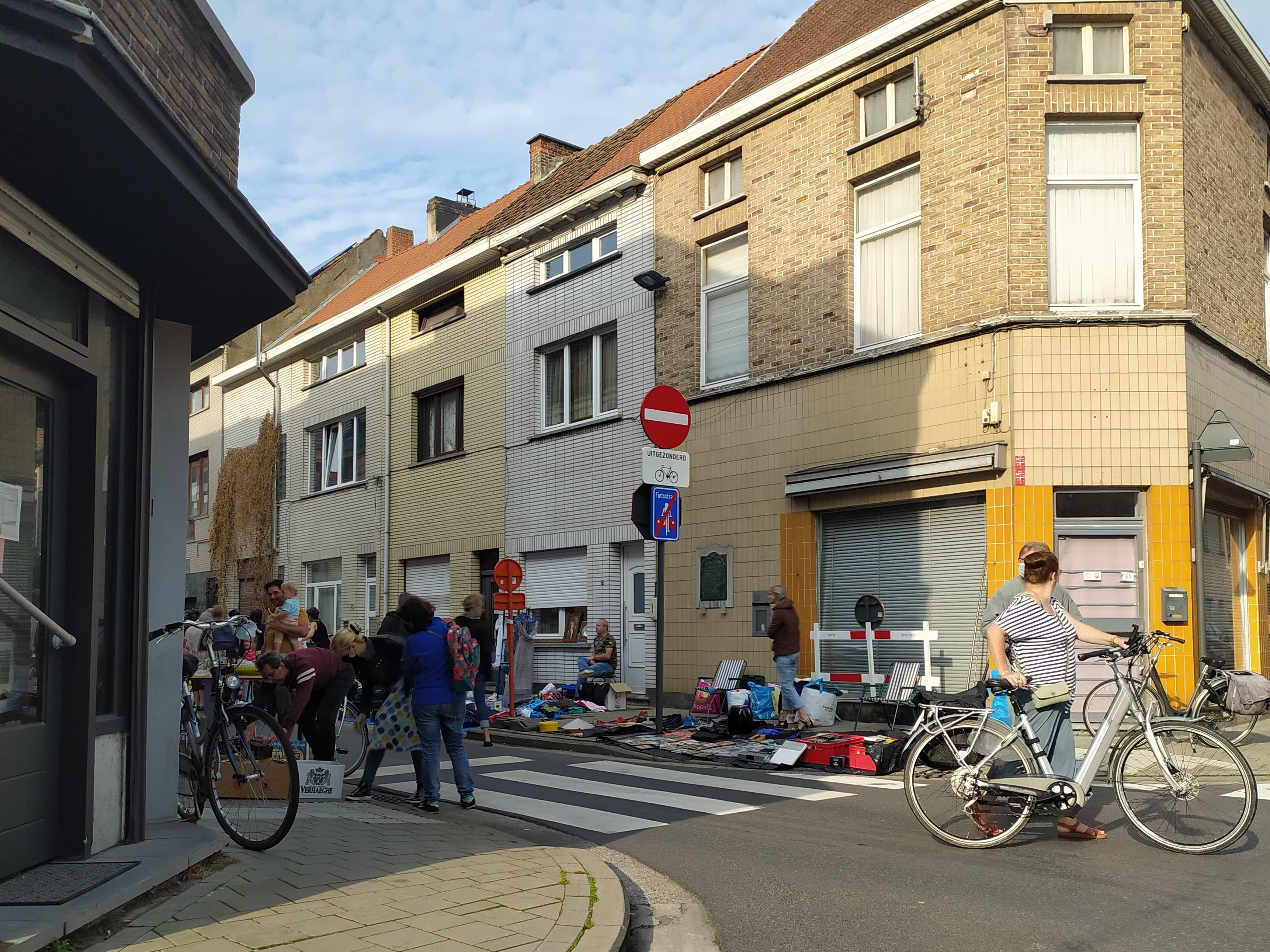 14c Oude Brusselseweg - hoek Louis Van Houttestraat - Gentbrugge - rommelmarkt (2)